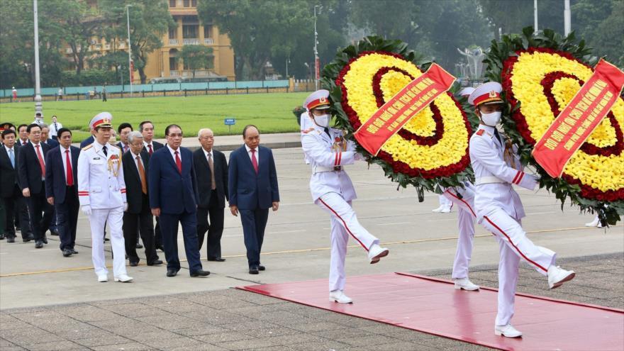 Autoridades vietnamitas conmemoran la victoria de su país sobre EE.UU.