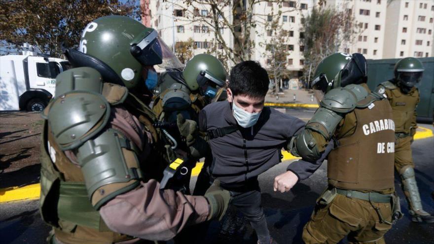 Policía chilena detiene a 57 personas en Día del Trabajador