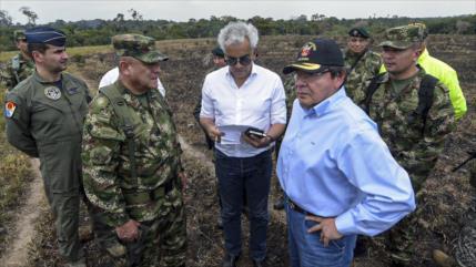 Cesan a militares colombianos por escuchas ilegales