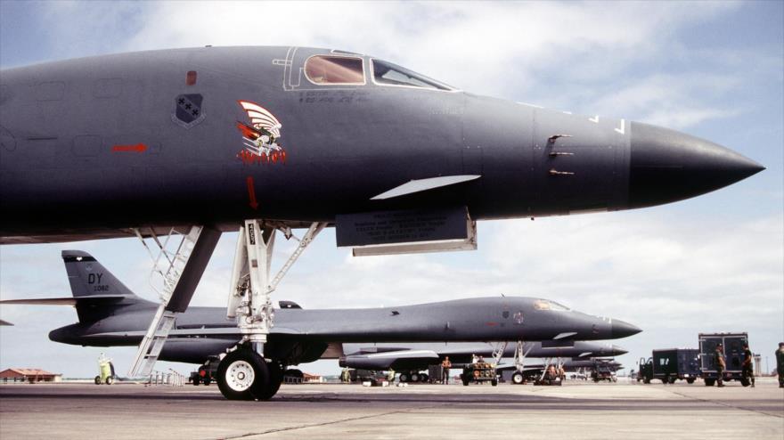 Una fila de bombarderos Lanceros B-1Bdel 9.º Escuadrón de Bombas de la Fuerza Aérea de EE.UU., estacionados en la base de Dyess, Texas.