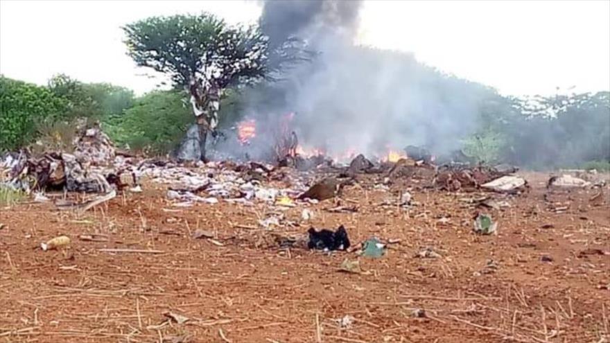 Avión con ayuda humanitaria se estrella en Somalia y deja 6 muertos.
