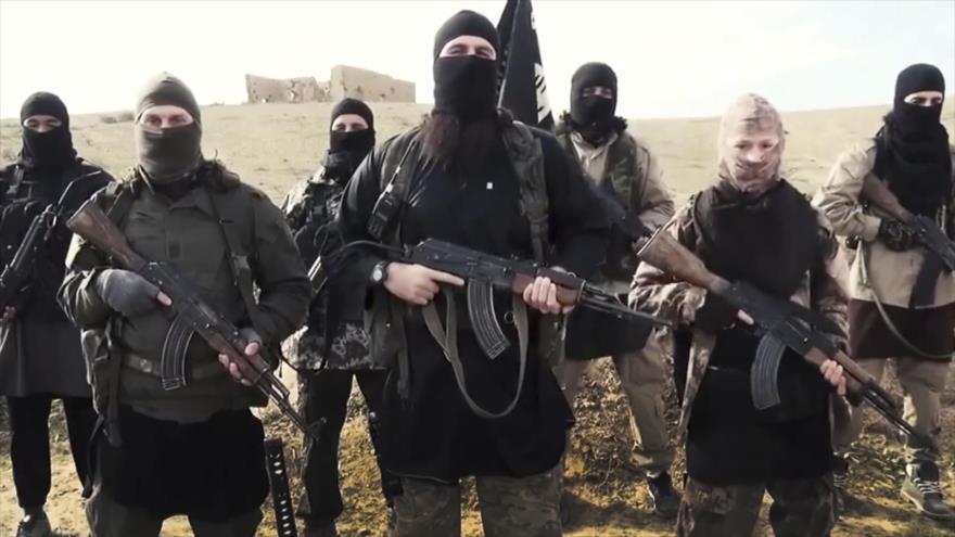 Elementos del grupo terrorista EIIL (Daesh, en árabe).