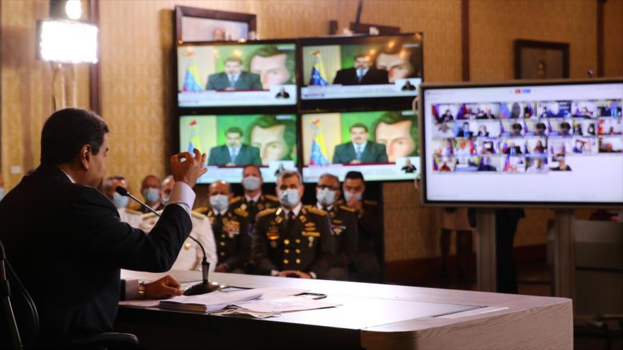 El presidente de Venezuela, Nicolás Maduro, durante una reunión con corresponsales de medios internacionales, Caracas, 6 de mayo de 2020. (Foto: AFP)