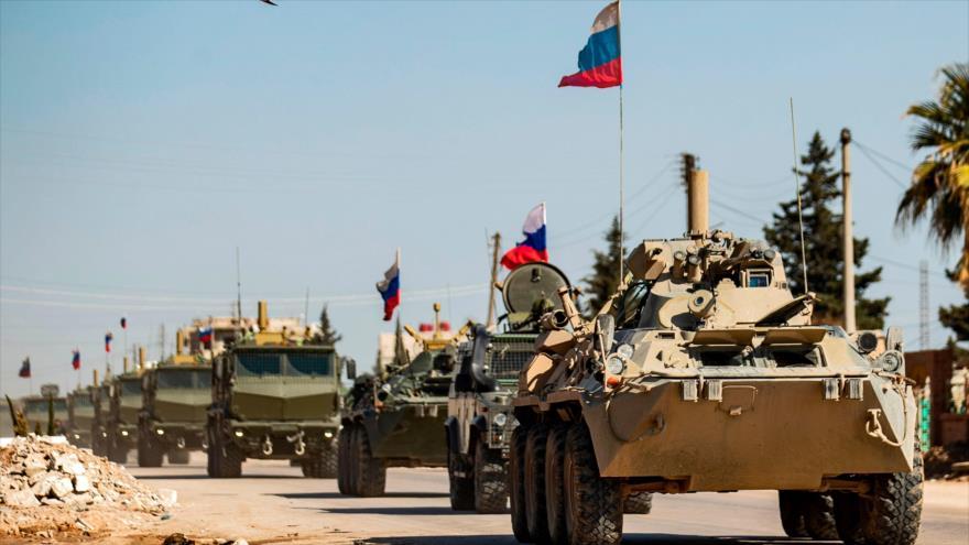 Vídeo: Tropas de EEUU bloquean paso de convoy ruso en Siria