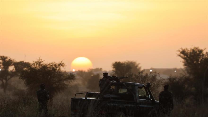 Los soldados hacen guardia en Niamey, la capital de Níger, 22 de diciembre de 2019.