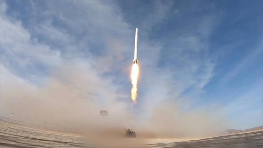 El lanzamiento del satélite militar iraní Nur por el Cuerpo de Guardianes de Irán, 22 de abril de 2020.