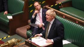 Johnson admite frustración pública con su gestión ante la COVID-19