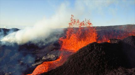 Geólogos descubren en Hawái el volcán más grande del mundo