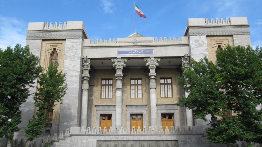 La fachada del edificio de la Cancillería iraní en Teherán, la capital.