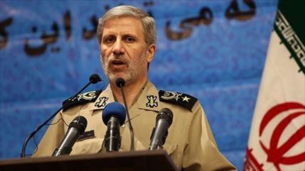 """Irán promete una respuesta firme a """"piratería marítima"""" de EEUU"""
