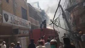 Avión paquistaní se estrella en Karachi con 107 personas a bordo