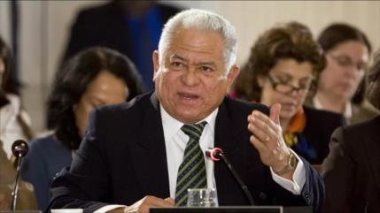"""Venezuela tacha de """"crimen de lesa humanidad"""" dejarlos sin gasolina"""