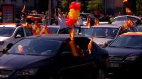 Españoles protestan contra gestión de Sánchez hacia coronavirus