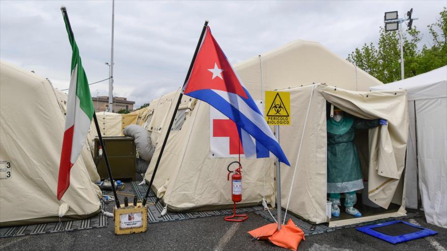 El médico cubano José Enrique Ortiz en una misión para ayudar la lucha contra la COVID-19 en Italia, 15 de mayo de 2020. (Foto: AFP)