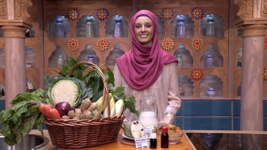 Al Natural: Salteado de verduras, Guaraná, Chirimoya y aceite corporal