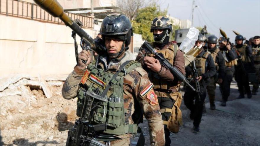 Fuerzas iraquíes durante un enfrentamiento con el grupo terrorista EIIL (Daesh, en árabe) en Mosul, en el norte de Irak. (Foto: Reuters)