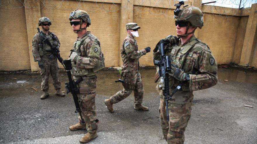 Soldados estadounidenses en una base iraquí en Kirkuk, 29 de marzo de 2020. (Foto: AFP)