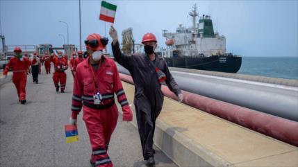 """Mensaje de exitosa misión de buques iraníes: """"Idiotas, atrapados"""""""