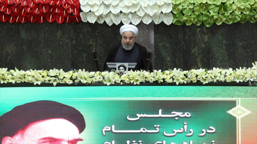 El presidente iraní, Hasan Rohani, ofrece un discurso en el Parlamento, Teherán, 27 de mayo de 2020. (Foto: President.ir)