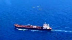 Vean cómo cazas venezolanos escoltan al petrolero iraní Petunia