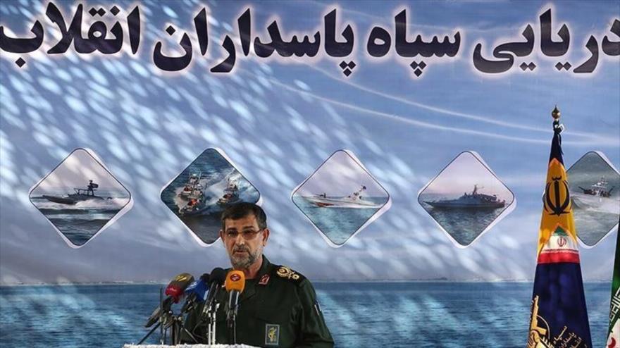 El comandante de la Fuerza Naval del Cuerpo de Guardianes de Irán, el contralmirante Ali Reza Tangsiri, habla en un acto en Bandar Abás (sur), 28 de mayo de 2020.