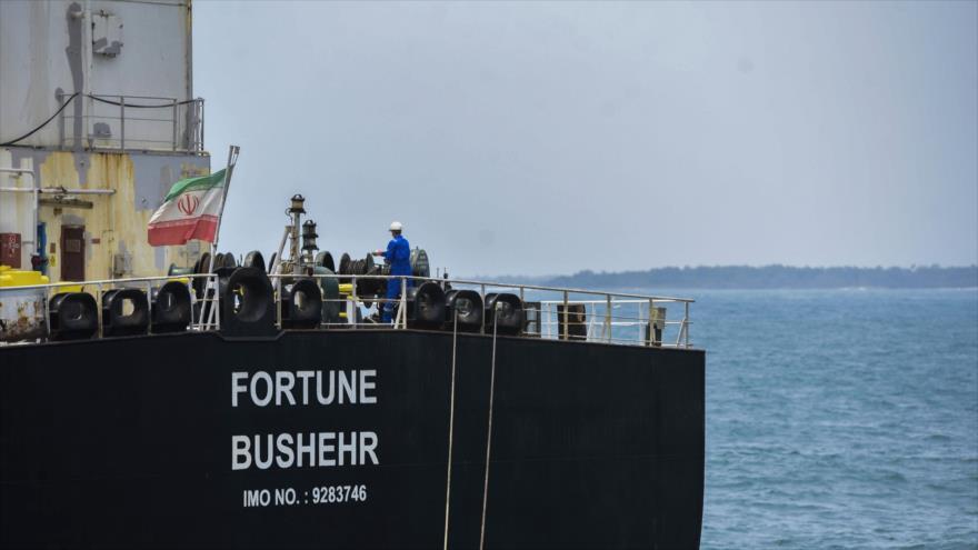El petrolero iraní 'Fortune' está atracado tras su llegada a Puerto Cabello, en el estado de Carabobo de Venezuela, 25 de mayo de 2020. (Foto: AFP)