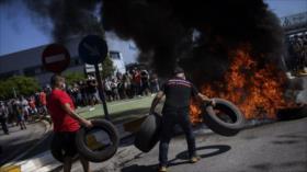 Vídeo: Trabajadores protestan en Barcelona por el cierre de Nissan
