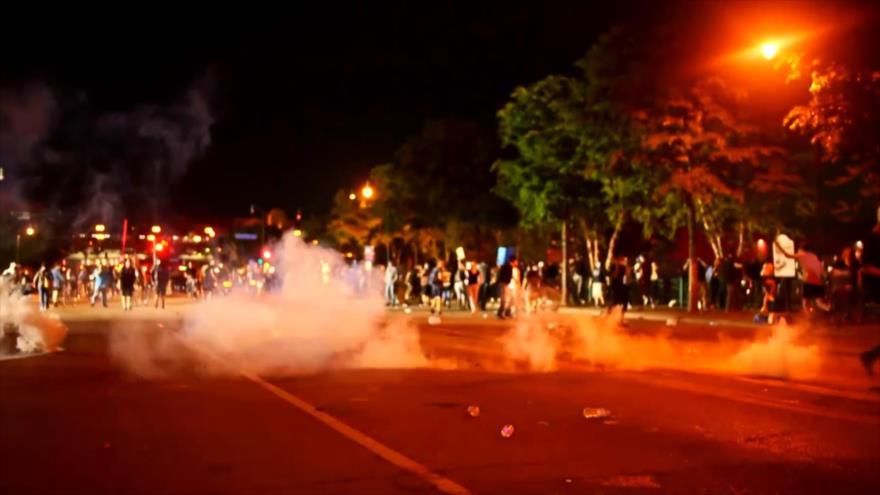 Asesinato de afroamericano genera violentas protestas en EEUU | HISPANTV