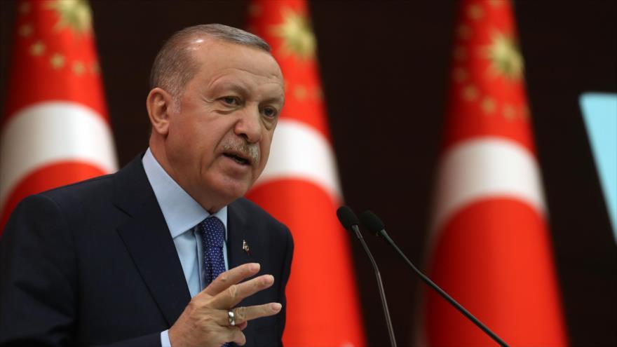 El presidente de Turquía, Recep Tayyip Erdogan, habla durante una conferencia de prensa en Ankara, capital, 18 de marzo de 2020. (Foto: AFP)