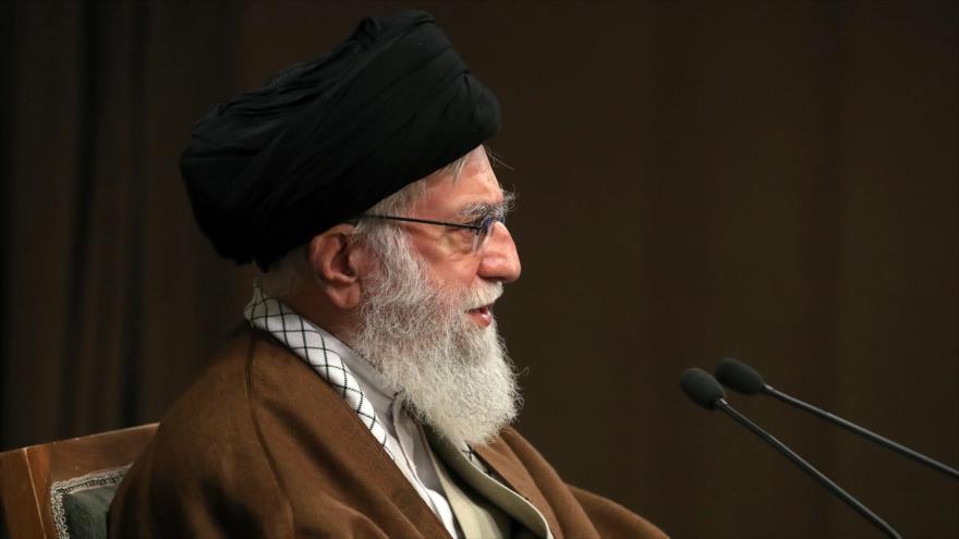 El Líder de la Revolución Islámica de Irán, el ayatolá Seyed Ali Jamenei, durante un discurso televisivo, 22 de mayo de 2020. (Foto: AFP)