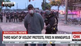 Detienen a equipo de CNN mientras cubría las protestas por Floyd