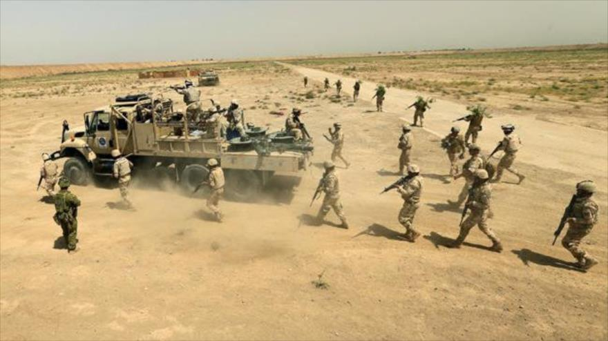 Fuerzas del Ejército iraquí durante un ejercicio de entrenamiento en el norte de Bagdad, la capital. (Foto: Reuters)