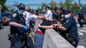 Brutal represión policial en EEUU deja un muerto y 700 detenidos