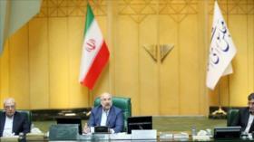 """Jefe de Parlamento iraní: Dialogar con EEUU """"no da resultados"""""""
