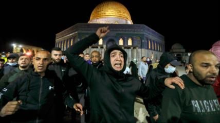 Colonos israelíes irrumpen en Mezquita Al-Aqsa tras su reapertura