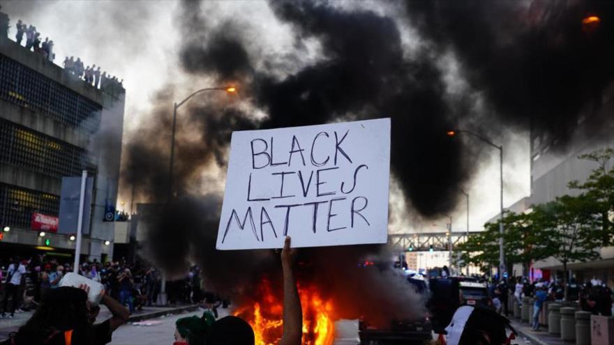 La bravuconería de Trump escala la violencia racial en EEUU | HISPANTV