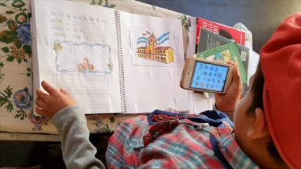 Niño recorre 30 km a caballo para enviar deberes en plena pandemia