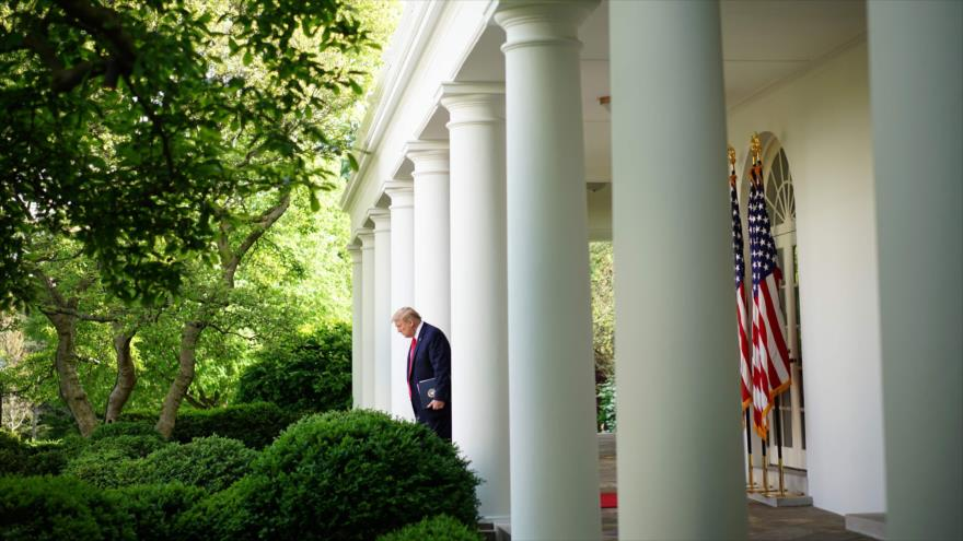 El presidente de EE.UU., Donald Trump, en el Jardín de las Rosas de la Casa Blanca, 27 de abril de 2020. (Foto: AFP)