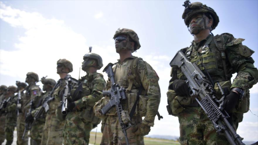 Las tropas colombianas y estadounidenses realizan ejercicios militares conjuntos en Tolemaida, Colombia, 26 de enero de 2020. (Foto: AFP)