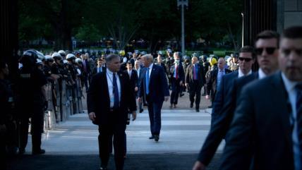 Irán: ¡Escape de Trump al búnker, signo de la democracia en EEUU!