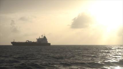 Último barco con gasolina iraní navega en aguas de Venezuela