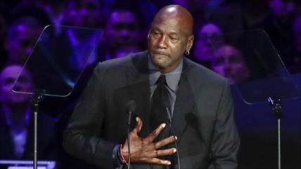Los jugadores de baloncesto de EEUU condenan muerte de Floyd