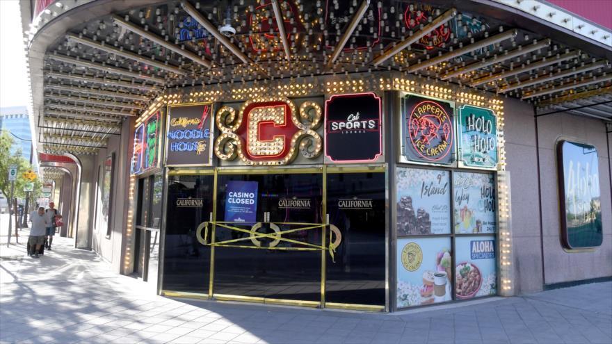 Una entrada del California Hotel & Casino en el centro de Las Vegas, cerrada debido a la pandemia de COVID-19, 27 de mayo de 2020. (Foto: AFP)