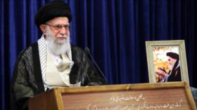 Líder de Irán: Imam Jomeini generó grandes cambios en Irán