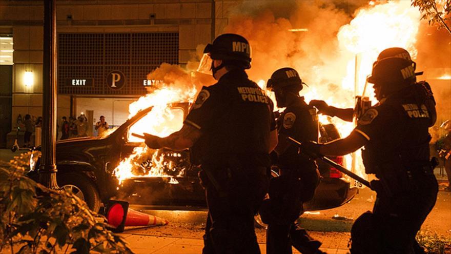 Al menos 11 muertos y 9300 detenidos en protestas por Floyd en EEUU | HISPANTV