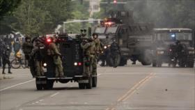 Trump amenaza con usar vehículos militares para detener protestas