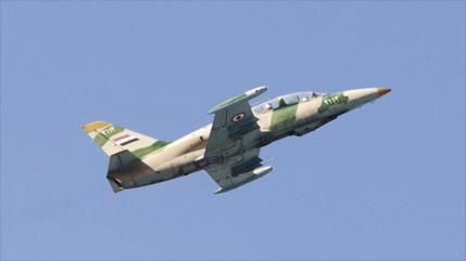 Cazas sirios bombardean posiciones terroristas en Latakia y Hama