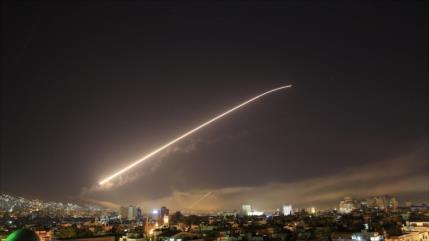 Vídeo: Defensa aérea siria responde a agresión de Israel en Alepo