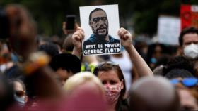 """Merkel denuncia el """"asesinato"""" racista de George Floyd en EEUU"""
