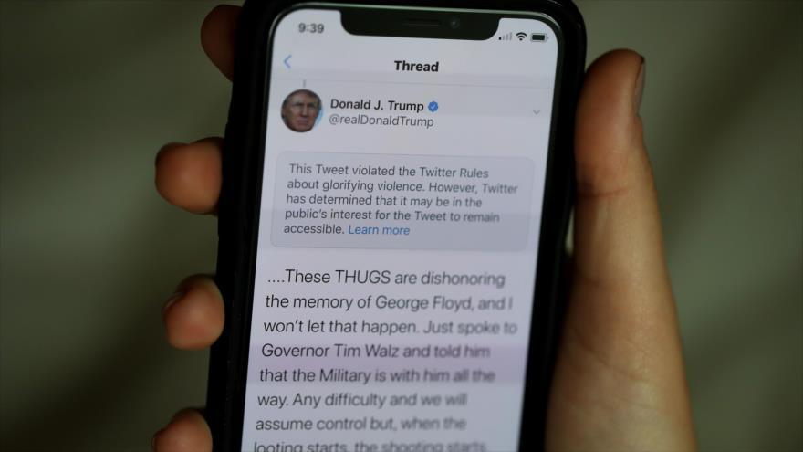 Una notificación de la red social Twitter en la cuenta del presidente de EE.UU., Donald Trump, 29 de mayo de 2020. (Foto: AFP)